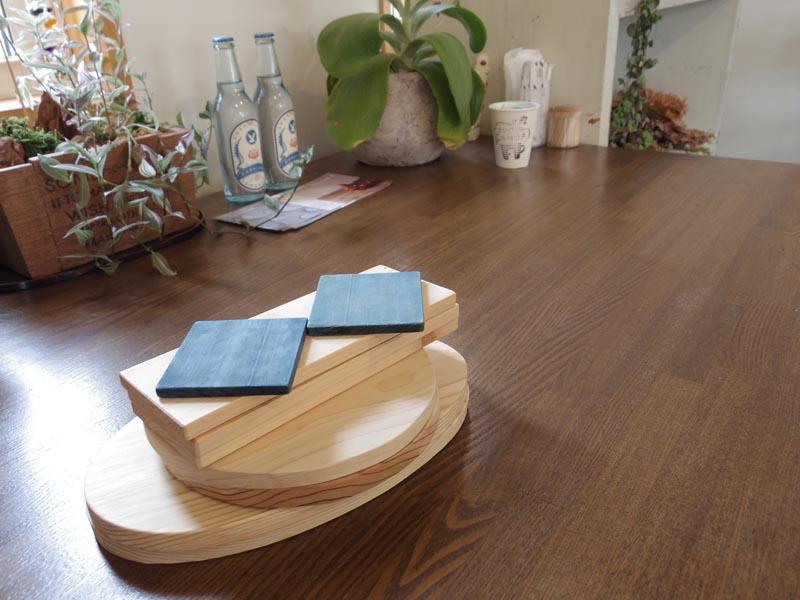 地元の木材と徳島県特産の藍を使ったコースターを製作企画中