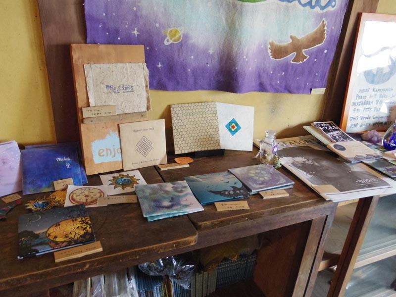 上田屋さんではミュージャンである耕平さんのCDも販売しています。