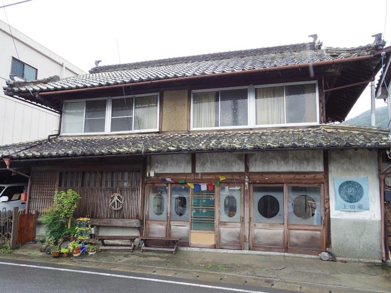 耕平さんのおばあさんが住んでいたお家。元は旅館を営んでいたそう。